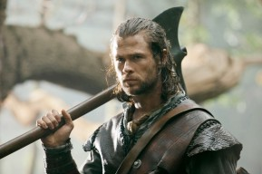 Huntsman Chris Helmsworth Snow White and the Huntsman